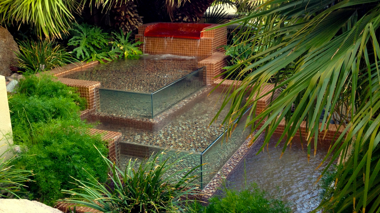 Water features chip n dale 39 s custom landscaping for Custom landscaping